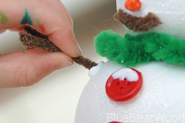 How To Make Snowman Arms From Pipecleaners