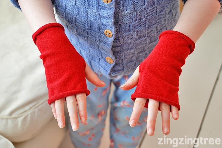 Upcycle old lycra tights into warm toasty fingerless gloves