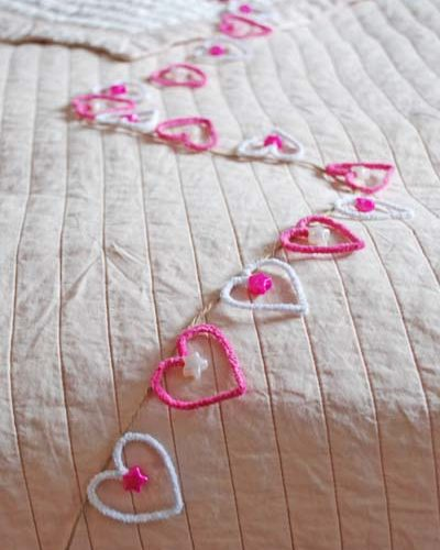 How To Make – Pipe Cleaner Hearts