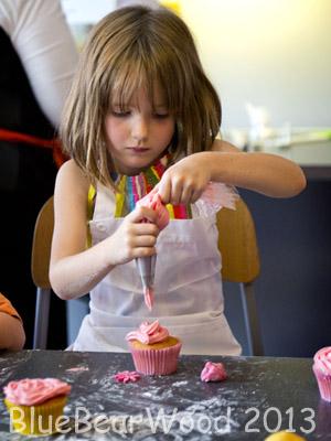 Kids Icing Cupcakes