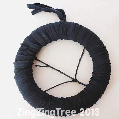 T-Shirt Halloween Wreath