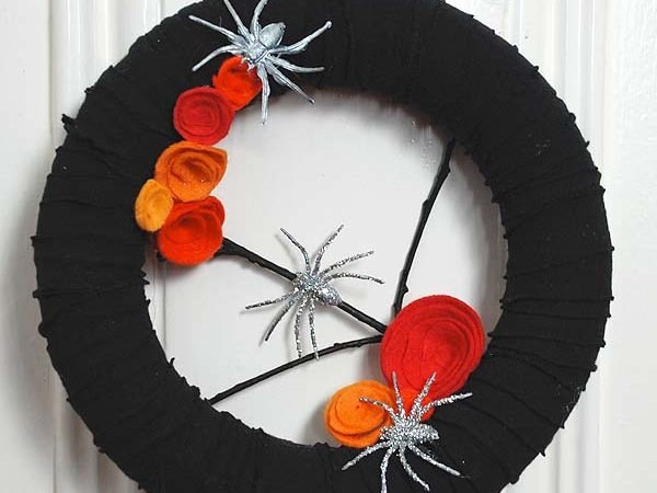 Halloween Wreath From An Old T-Shirt
