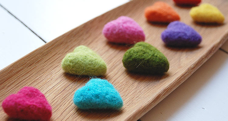 How To Make Gorgeous Colourful Needle Felt Hearts