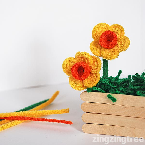 Pipe Cleaner Flower Crafts Daffodils
