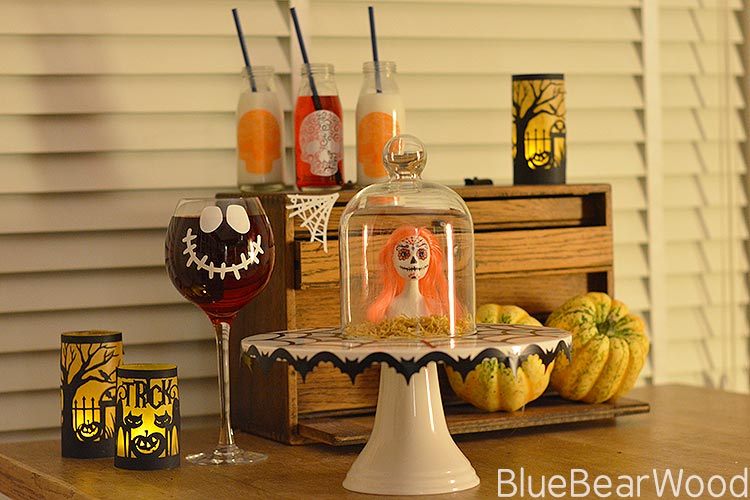 halloween table decorations. Black Bedroom Furniture Sets. Home Design Ideas