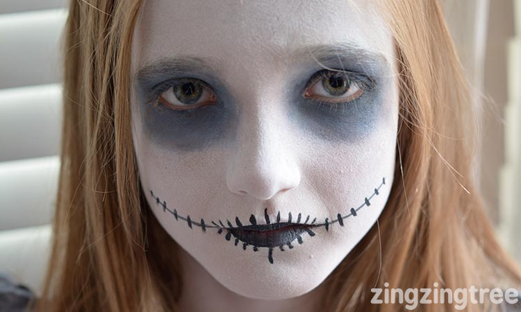 easy halloween facepaint for kids