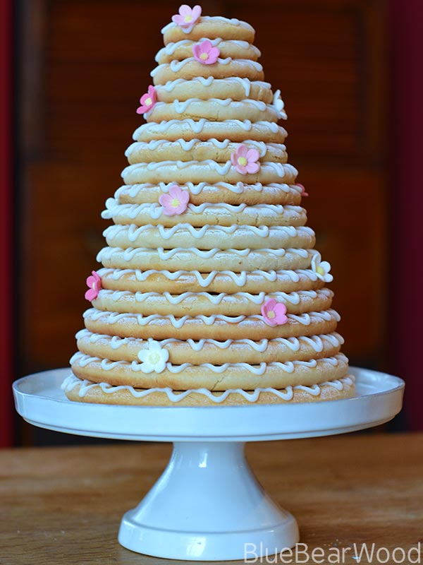 How to make a stunning Kransekake as a Birthday Cake