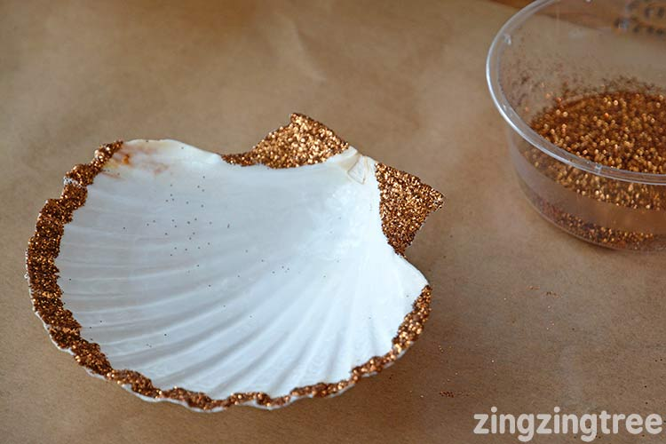 Glitter seashell candles