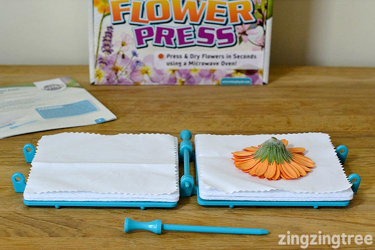 How to use a flower press