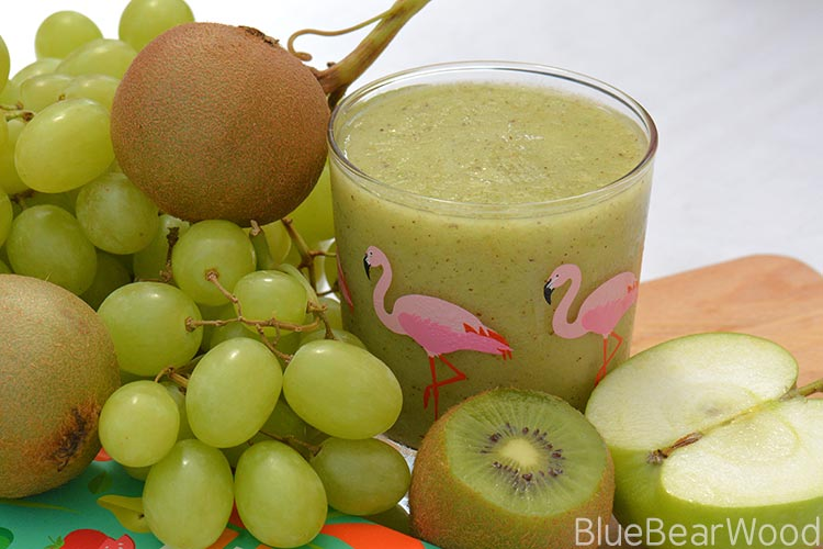 The Best Refreshing Kiwi Smoothie Ever