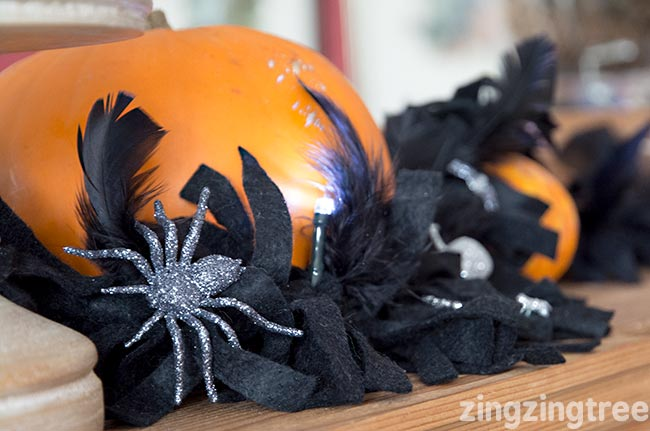 felt-and-feather-halloween-garland
