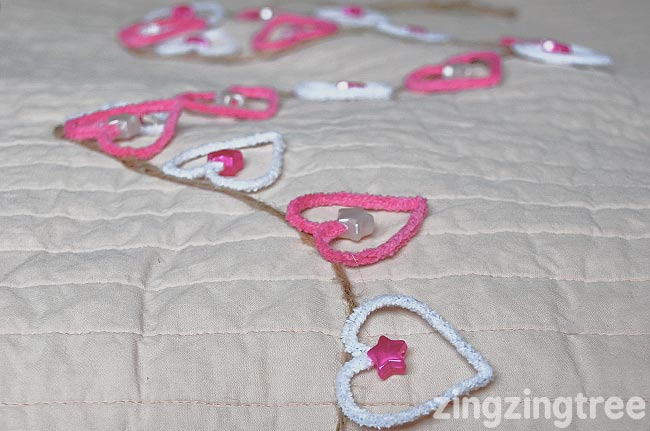 pipe-cleaner-heart-garland