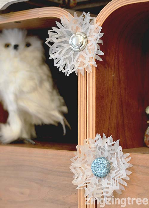 Gorgeous bottle top snowflake christmas tree decoration