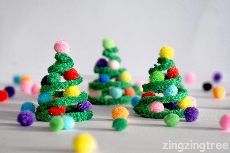 Pipe cleaner christmas trees decoration for Christmas decorations to make at home with the kids
