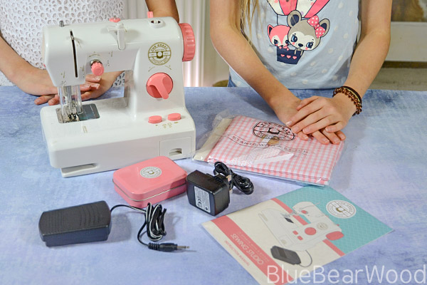 The Great Sewing Bee Sewing Studio Contents